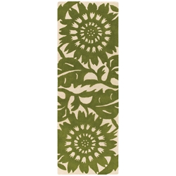 Zinnia Runner Rug in Green